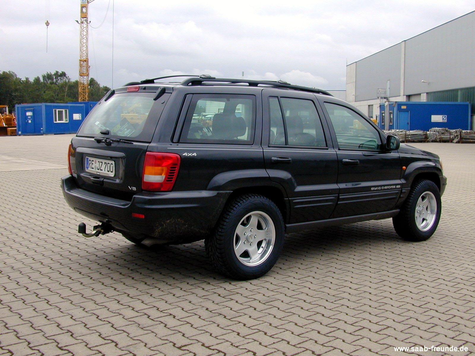 jeep grand cherokee wj 6 1 ltr v8 saab freunde. Black Bedroom Furniture Sets. Home Design Ideas