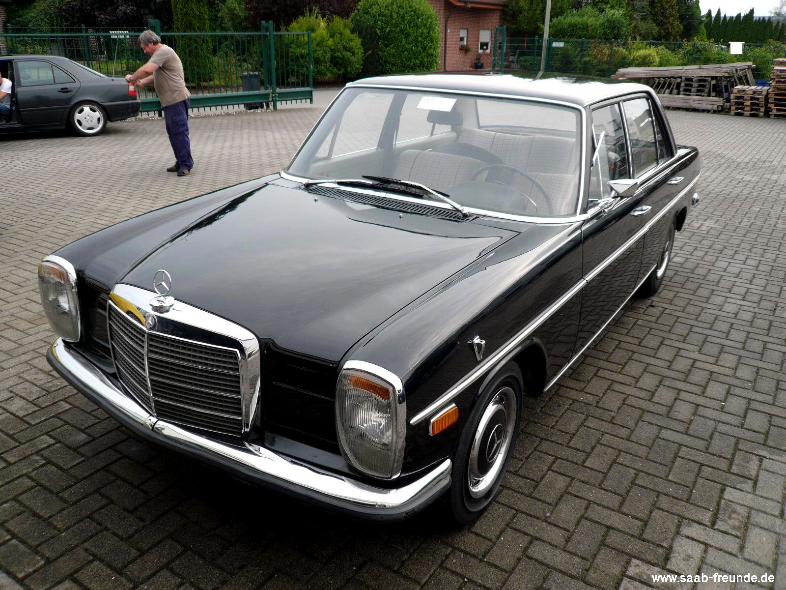 Mercedes-Benz 220/8 Benzin (W115) Bauj. 1973